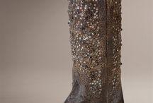 wardrobe 2012 / by Emma Janowicz