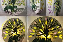 OBJETS LUMINEUX / Des luminaires crées avec les techniques de gravures sur papier. Ce sont des pièces uniques que je réalise entièrement dans mon atelier.