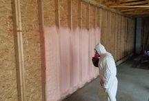 ZATEPLENÍ STĚNY / WALL INSULATION / Stříkaná pěnová izolace: otevřená struktura buněk EXY 09  Spray foam insulation: open cell foam EXY 09