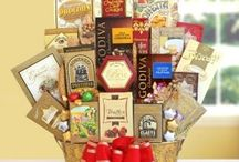 Holiday Gift Basket Ideas! / Check out our latest Holiday Gift Baskets for Christmas, Hannakuh, and New Years! Shop our gifts and send a taste of the California Good Life!