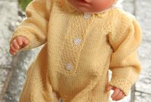 Knitted dolls cloths