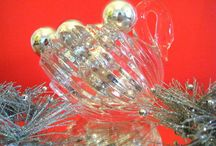 Retro Christmas Design Ideas / A little sparkle from our favorite decades... / by Mirror80