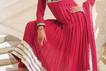 Fabulous Designer Salwar Kameez To Transform an Ordinary Women to a Gorgeous Glamorous One / Salwar Kameez is the latest trend in fashion world. This attire has become popular all over the world.