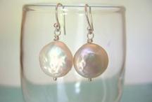 Pearl earrings / by Trang Nguyen