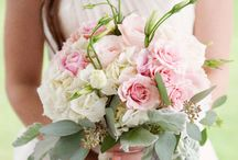 Fabulously Floral: Bouquets / Fabulous bouquets for you and your bridesmaids