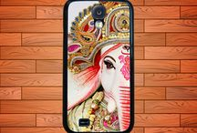 cell phone cases / by Lacy Bobbitt