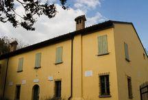 Alfonsine / Importante e moderno polo agricolo, Alfonsine deve le sue origini alla famiglia Calcagnini. Nel 1465 il conte Teofilo Calcagnini ricevette in dono da Borso d'Este, duca di Ferrara, le terre a destra del Po di Primaro, di Filo e Longastrino.