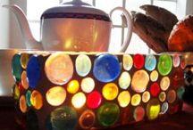 glass and light / pár üvegkavics, ragasztó, egy kis fúgapor, akár egy befőttesüvegből is csinálhatsz egy ilyen mécsest, lámpabúrát .... nézd meg itt hogyan: www.gingerpalace.wordpress.com