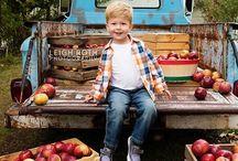 {Themed} Fall & Harvest Photos / Inspiration for Harvest Mini Sessions/ Fall Photoshoots Seasonal themed photo shoots