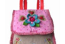 Tecidos, bolsas, sacolas, sacos, artesanatos bem bolados... / Modelos de bolsas de tecidos e sacolas com vários padrões e várias estampas.