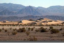 Dunes de sable / Petits grains soufflés par le vent...