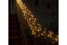 Kerstverlichting / KERSTVERLICHTING- Sfeervolle verlichting voor de donkere maanden in het jaar! Uitgebreide keuze mogelijkheden in verlichting, van verlichtte kerstfiguren tot ledlampjes tot ijspegelverlichting. Bekijk de verschillende mogelijkheden!