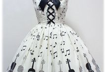 Melody Lolita Obsesion / My obsession for musical prints in lolita fashion
