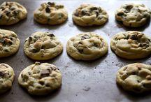 Food: Cookies, Squares & Slices