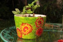 Macetas pintadas a mano / Reciclar los tachos de telgopor y pintarlos para usar como macetas!