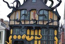 Τρελά  σπίτια!
