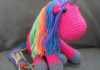 Neezy Crochet / by Sabrina Chellini