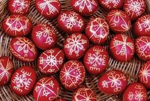 Easter in Romania / Romania is a melting pot of cultures. Even though only Orthodox Easter is officially a holiday, many celebrate Catholic Easter as well. Discover Romania's traditions on this wonderful holiday.