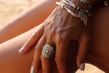anelli, collane, braccialetti....