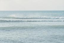 Mar. Faros. Barcos.