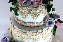 Beautiful cakes / . / by Jacqui Jellis