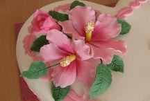 kvety a ozdoby na torty