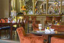 Nasza Kawiarnia / Hotel Amalia*** w Kudowie Zdroju zaprasza do kawiarni na pyszne desery, aromatyczną kawę i dobre trunki i wina.