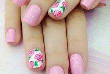 νύχια λουλούδια