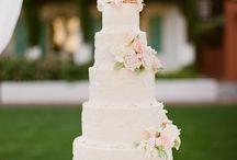 Wedding Ideas / De mooiste en lekkerste taart voor deze belangrijke gebeurtenis. Op dit bord taarten ter inspiratie! Onze banketbakker beantwoordt graag al uw vragen in een persoonlijk gesprek. Bel voor een afspraak de Meesterbakkerbakkerij 015-2158111 of mail info@debakkers.nl Website: roodenrijs.meesterbakker.nl/banket/bruidstaarten