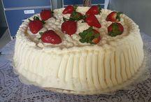 Bolos Decorados / Vou compartilhar com vocês o trabalho lindo da minha mãe, bolos lindos, decorados e deliciosos.