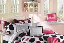 Bedroom Ideas for Kids & Teens / Great ideas and easy make-overs for a bedrooms that even your kids/teens will love.