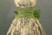 retro dresses / by Justine Sanphillipo