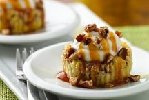 Cakes, Pies, Cupcakes / by Regina Moore