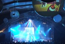 Concerts / Unique ways to light concert spaces, whether it's on stage or lighting the crowd...