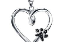 Dog Necklace / We curate the top Dog Necklaces on the internet. Feel free to send your suggestions to ask@certapet.com.