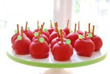 Cake pops / by Elizabeth Webb Keicher
