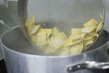 Mani in pasta / Pasta fresca ... Mille giorni di te e ...