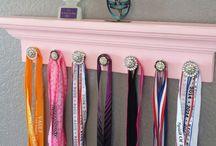 Medal display shelf