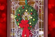 Christmas Wreaths / Christmas Wreaths add a festive and seasonal touch to your home. Welcome friends & family this year with one of these inspirational wreaths.
