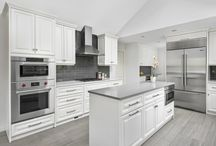 Transitional Kitchen in Riverwoods, Chicago / Transitional Detailing in Riverwoods Kitchen Design