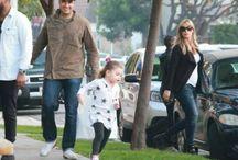 Jaiminho caminhando pelas ruas de West Hollywood, en Los Ángeles, junto a sua princesa Elena! / Jaime Camil