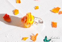 Anello con fiore rosa gialla e arancione fatta in fimo