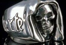 Totenkopfschmuck, Skull Schmuck / Hochwertiger, echter und sehr detailgetreu gefertigter Skull Totenkopfschmuck