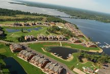 Northern Bay Condo Rentals - 608.339.2090 / Enjoy your vacation in lakeside luxury at our condominiums on beautiful Castle Rock Lake! Our luxurious condominiums are constructed of cedar and fieldstone giving you the north woods feel. The spacious interior will leave you breathless, with hickory cabinetry and granite countertops and vanities. Nothing was left to chance, when you walk in, you just know things are as they should be. If luxury is your preference...Northern Bay is your resort!