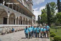 ¡Comparte tu viaje con nosotros! / Os traemos una foto de un grupo de amigos que viajaron a Estambul a primeros de junio a través de nuestra oficina de Alcalá de Guadaira (Sevilla), que han querido compartir con todos nosotros. Solo hay que ver sus caras para saber lo que han disfrutado de su viaje. Como veis, Triana Viajes también estuvo allí ;P ¡Muchas gracias por compartir vuestra experiencia y por viajar con Triana Viajes!