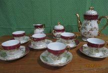 vintage teaset#1 / 1 teko / teapot 1 wadah gula / sugar bowl 1 wadah susu / creamer&milk bowl 6 set cangkir / cups for information and order : Cahya : 0813.9372.1843 or Ardi : 0812.2284.470 Facebook : La Wasan Skype : La Wasan Blog : www.lawasanahouseofvintage.wordpress.com