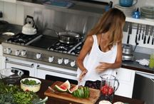 Kitchens / by Amelia Champion
