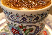 Coffee / Kahve, sevincin de üzüntünün de boşluklarını doldurur...