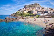 Descubre Cerdeña / La isla de Cerdeña es un pequeño paraíso situado en el Mar Mediterráneo. Viajar en Cerdeña en ferry es una opción ideal para disfrutar del mar y de un viaje precio de chollo. ¿Te lo vas a perder? Entra en nuestra web y resérvalo :-)  Por ahora te dejamos algunas fotos, para que te hagas una idea de lo paradisíaco que es aquello ;-D