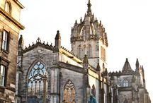 St Giles' Cathedral. Nira's Captures / St Giles' Cathedral, also called the High Kirk of Edinburgh is the historic City Church of Edinburgh and located on the Royal Mile between Edinburgh Castle and the Palace of Holyroodhouse. It is only a 25 minutes walk away from Nira Caledonia.